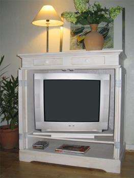 Fernsehschrank geschlossen  rü-an-fischer Möbeldesign Fernsehschrank